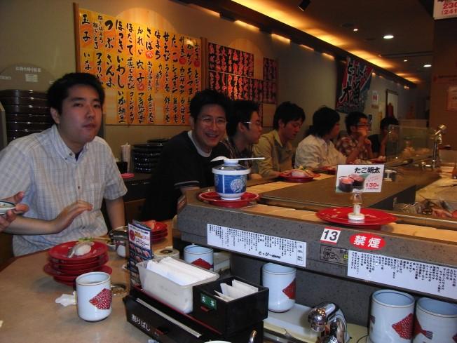 運動の後は回転寿司へ(去年と同じ店…!)